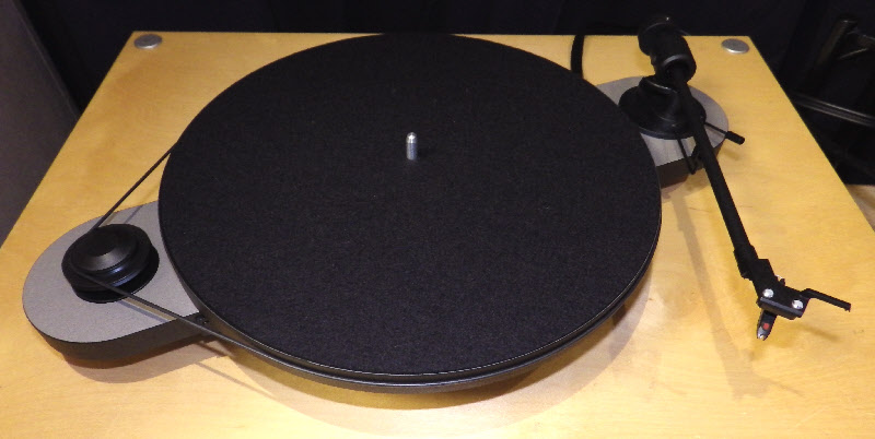 pro ject turntable elemental 2
